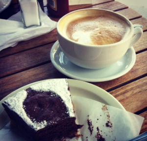 white coffee cup café au lait chocolate cake