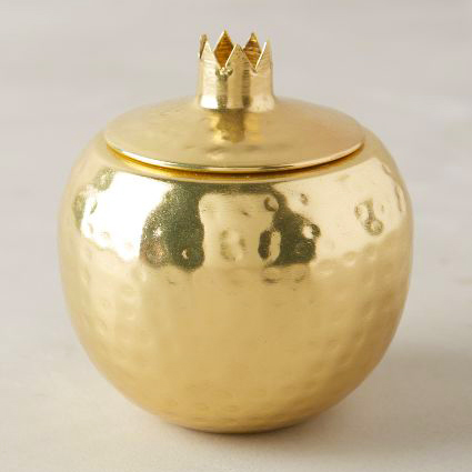 Golden-Pomegranate-by-Illumne-gleaming-Isla-candle-square