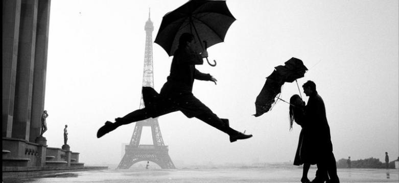 Elliot-Erwill-Paris-Rain-French-Chansons