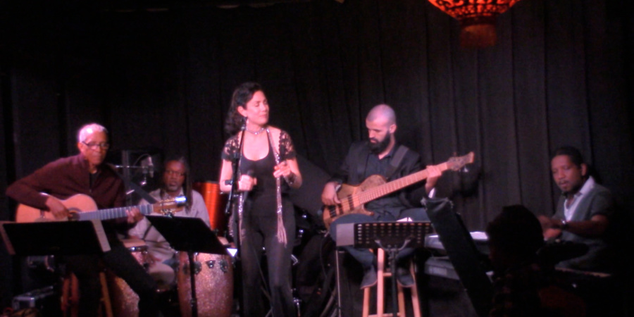 Frances Livings performing live with jazz band Ipanema Lounge at Genghis Cohen 2016-07-05