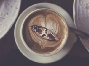 Coffee_boat-in-cappuchino-cup